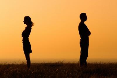 Названі найпоширеніші причини, чому чоловіки покидають жінок, яких люблять