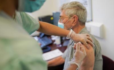 Як зареєструвати 80-річних на вакцинацію: пояснює Чернівецька ОДА