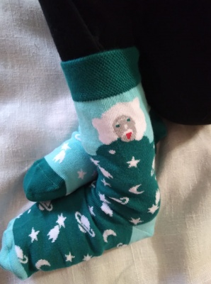 """День """"дітей сонця"""": чернівчани влаштували «шкарпетковий» флешмоб"""