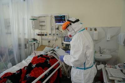 """«Мне трудно дышать ...»: репортаж с  """"красной зоны """" в Черновцах"""