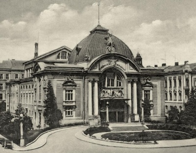 Невідома Буковина: у Чернівецького драмтеатру є брат-близнюк у Німеччині