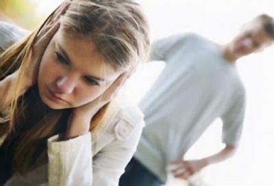 Ображав доньку нецензурною лайкою: за психологічне насилля судитимуть буковинця