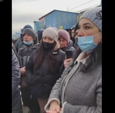 Дайте можливість всім працювати: підприємці Калинки протестують через закриття ринку - наживо