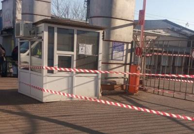 Рядами ходять поліцейські: що відбувається на Калинівському ринку, який закрили на карантин