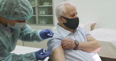 Перший президент Леонід Кравчук вакцинувався від коронавірусу