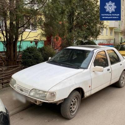 Без прав та п'яні: у Чернівцях затримали двох горе-водіїв