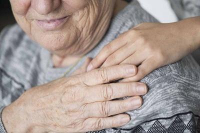 Лікарі розповіли, як швидкість прийому їжі може вплинути на довголіття