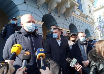 «Міська влада вас підтримує»: мер Чернівців відреагував на пікет підприємців Калинівського ринку