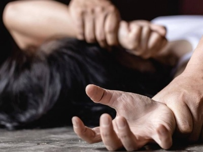 Затягнув у зарослі та намагався зґвалтувати: на Черкащині затримали збоченця