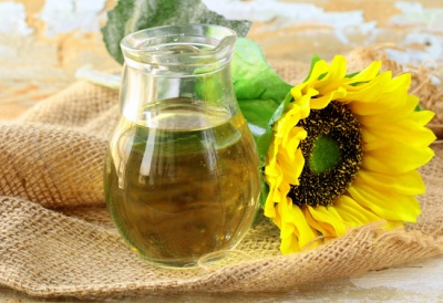 Ціна соняшникової олії в Україні побила рекорд: скільки коштує