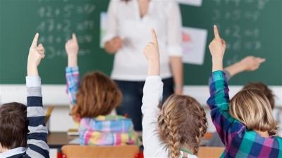Вчителям збільшать зарплати: у Міносвіти розповіли, коли це станеться