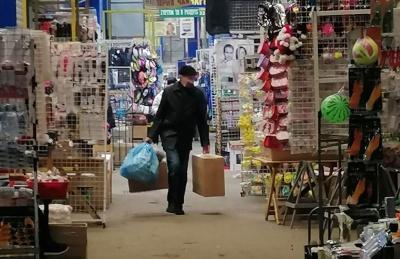 «Червона» зона в Чернівцях: що відбувається на Калинівському ринку