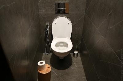 Підприємицю, яка пустила до туалету відвідувачку під час січневого локдауну, оштрафували на 17 тис грн