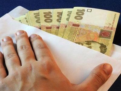 Чиновника на Буковині підозрюють у хабарі 8,8 тис грн: що відомо
