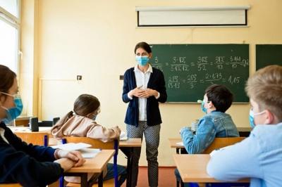 Вакцинація освітян на Буковині: що відомо