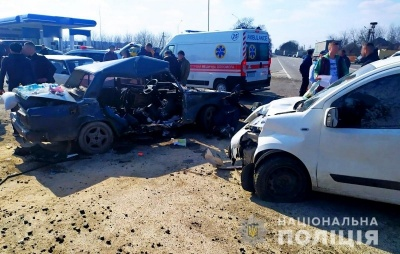 У важкому стані: що відомо про трьох постраждалих у моторошній ДТП під Чернівцями