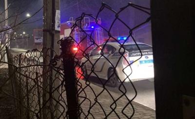 Нічна пожежа в Чернівцях: на Канівській загорівся автомобіль