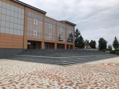 На будівництво скандального будинку культури на Буковині просять ще понад 100 млн грн