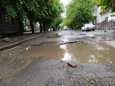 У Чернівцях на ремонт доріг додатково виділили 27 млн грн
