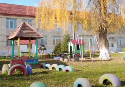 На Буковині оштрафували дитсадок, у якому вихователі не носили масок