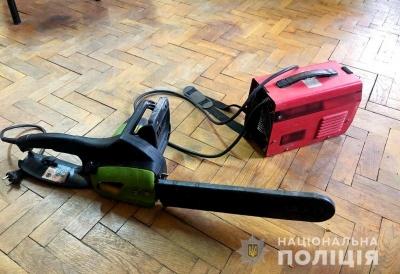 У Чернівцях затримали зловмисника: викрадав інструменти і гаджети з автівок