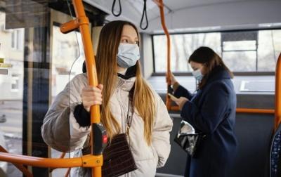 Як не підчепити коронавірус у громадському транспорті: поради медиків