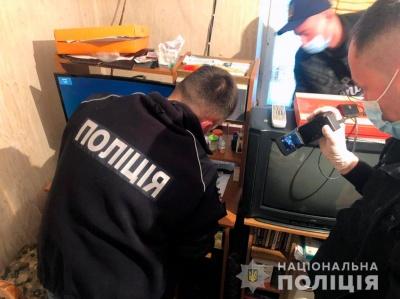 У Чернівцях пенсіонери розбещували неповнолітніх і знімали все на відеокамеру