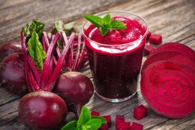 Вчені виявили, що за допомогою вживання бурякового соку літні люди можуть залишатися більш здоровими