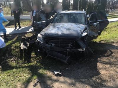 """У ДТП на трасі """"Чернівці-Снятин"""" постраждали двоє людей - фото"""