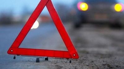 ДТП на трасі «Чернівці-Порубне»: зіткнулись два авто, постраждав чоловік