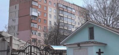 У Чернівцях у спальному районі хочуть звести 24-метрову церкву, мешканці бояться за будинок
