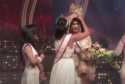 """З переможниці конкурсу краси """"Місіс Шрі-Ланка"""" на сцені зняли корону"""