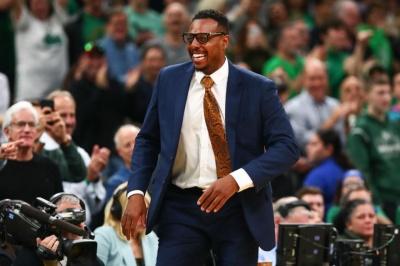 Легенда НБА втратив роботу на телеканалі після прямого ефіру зі стриптизерками