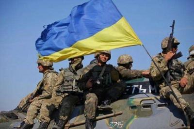 Українська армія тренується відбивати напад росіян з боку Криму