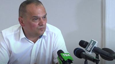 Майже 100 «слуг народу» торік придбали автівки: найдорожча – у нардепа з Буковини