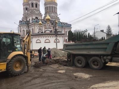 У Чернівцях відновили ремонт на вулиці Кармелюка – фото