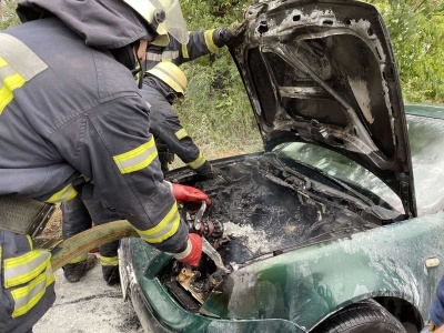 Пожежа в автомобілі: 61-річний водій із Буковини в реанімації