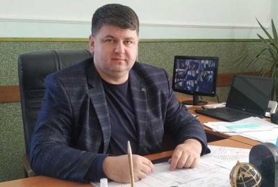 Обшуки у кабінеті голови Чернівецької РДА: Козарійчук називає це «політичним тиском»