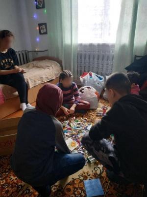 «Потрібно кожен день купатися?»: патронатна сім'я в Чернівцях прийняла до себе трьох діток