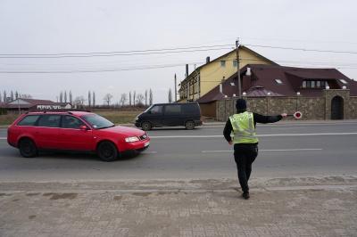 Як водії на Буковині реагують на підвищення штрафів за порушенння ПДР - репортаж