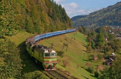 Укрзалізниця скоротила рейси на Західну Україну: куди буде важче доїхати