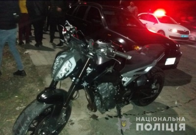 На Буковині розшукали мотоцикліста, який збив пішохода