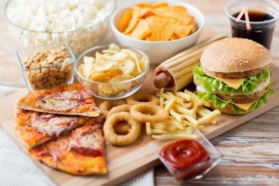 Вчені з'ясували, чим корисна для чоловіків жирна їжа