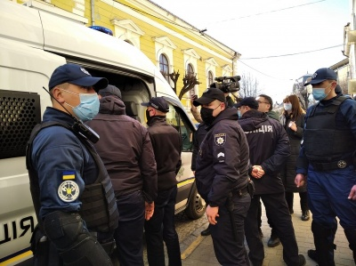 Педофіли під вартою: прокуратура Буковини заперечила чутки про їх звільнення з СІЗО