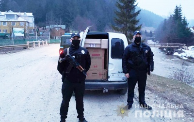 На Буковині затримали чоловіка, який контрабандою перевозив 25 тис сигарет