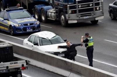 Рятує лише оптимізм: автомобільні аварії, що здивували всіх навколо