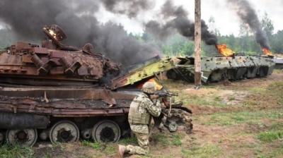 Війна надовго, буде важко: чому Росія активізувала війська на кордоні з Україною