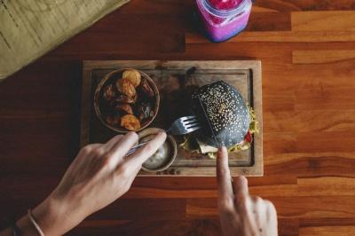 Фахівці вивчили вплив харчових звичок на психічне здоров'я людей