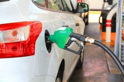 Як зрозуміти, що ви заправилися неякісним паливом, і що при цьому робити