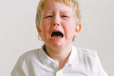 Помилка батьків, яка провокує погану поведінку дитини — вчені